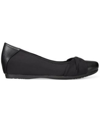 Bare Traps Mitsy Hidden Wedge Flats