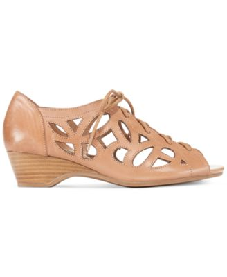 Bella Vita Pixie Sandals