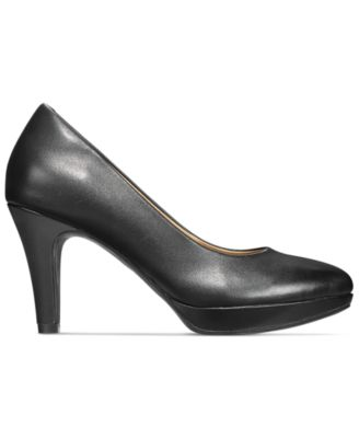 Clarks Collection Womens Brier Dolly Pumps