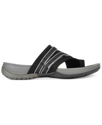 Bare Traps Shannon Flat Sandals