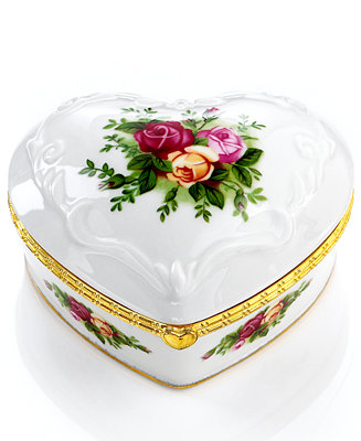 Royal Albert Jewelry Box Old Country Roses Musical Heart