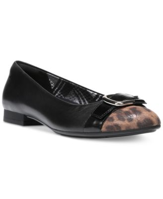 Naturalizer Tisha Tailored Flats