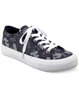 GUESS Womens Gelise Lace-Up Sneakers